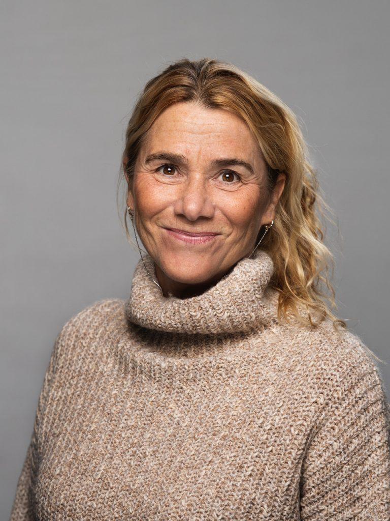 I Danmark er der kommet fokus på, at kønsbalancen i musikbranchen er helt skæv. Og for at komme det til livs, handler det om at skabe flere musikfællesskaber for piger, lyder det fra Dansk Rock Samråd.